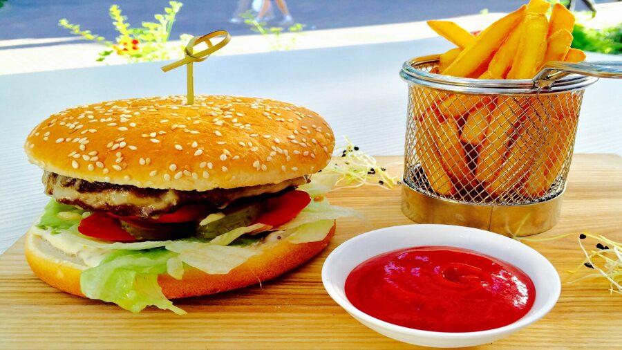 Liellopa gaļas burgera komplekts